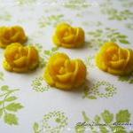 36 Resin Roses ..